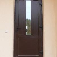 Juodos lauko durys su stiklu