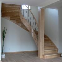 Rudi mediniai laiptai