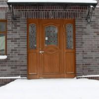 Rudos medinės durys