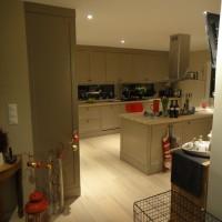 Šviesus virtuvės baldu komplektas