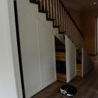 Integruotos lentynos po laiptais