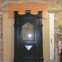 Tamsiai rudos unikalios lauko durys