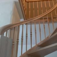 Riesti mediniai laiptai
